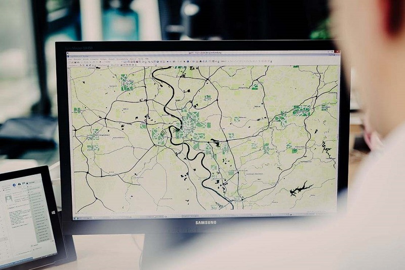 Quick introduction to Geographic Information Systems