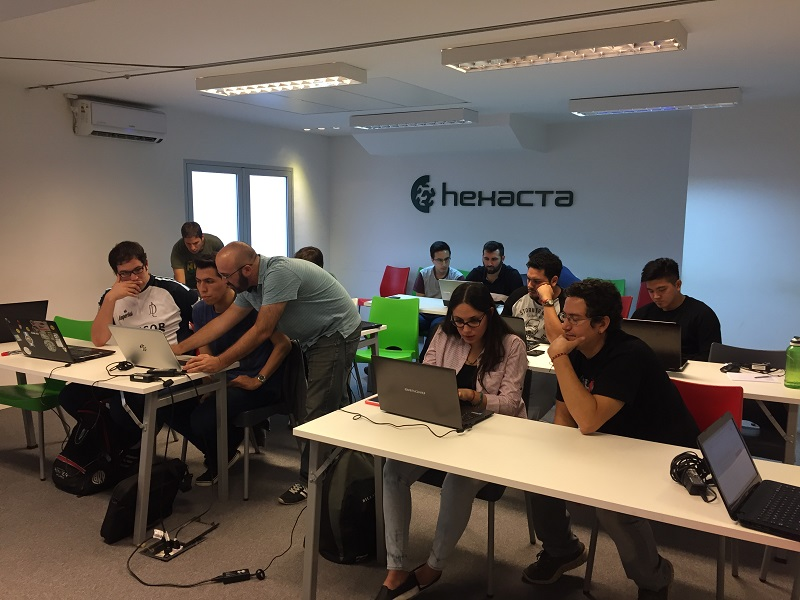42 students participated in the first edition of hexacta labs 2017 rh hexacta com