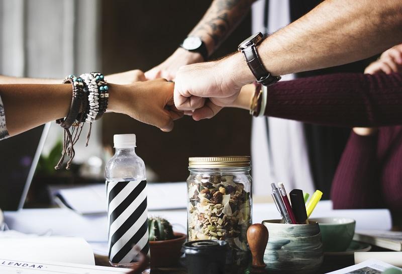 Teamwork colleagues ways to improve motivation