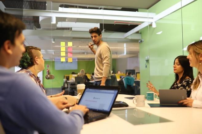 Project Management vs. Leadership