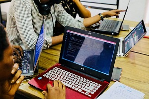 6 Reasons to Start Outsourcing Software Development